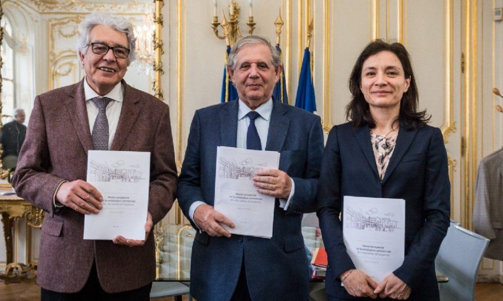 André Marcon, à gauche, accompagné du Ministre de la Cohésion des Territoires Jacques Mézard et de Delphine Gény-Stephann, Secrétaire d'État auprès du ministre de l'Économie et des Finances, lors de la présentation du rapport sur la revitalisation des centres-villes.