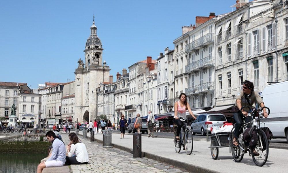 Une nouvelle loi pour la défense des centres-villes