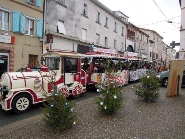 Deux petits trains en centre-ville pour Noël (La Dépêche)